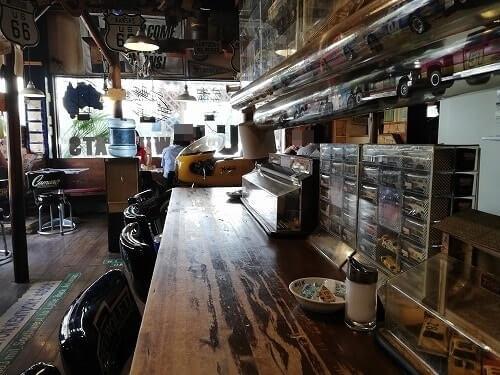 堺UKカフェの内観